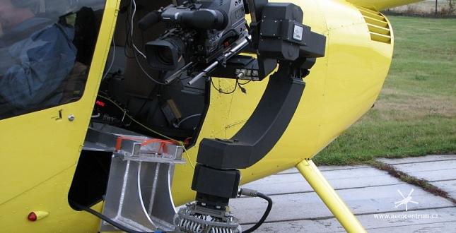 Test gyroskopického stabilizátoru na vrtulnících Robinson